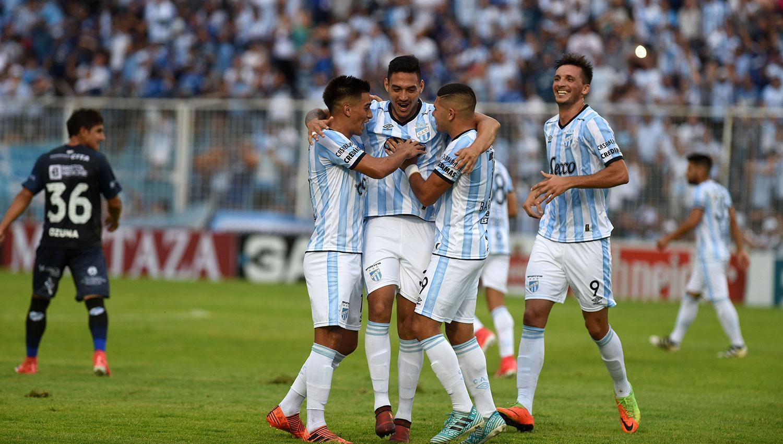 La Superliga se mantendrá igual, torneo largo y cuatro descensos