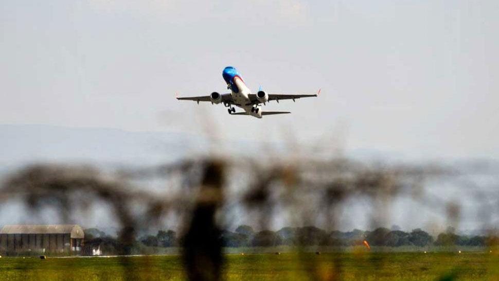 Aerolíneas Argentinas reprograma vuelos por aviones dañados por granizo
