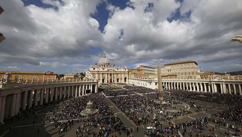 Detuvieron a un sacerdote acusado de consulta pornografía infantil