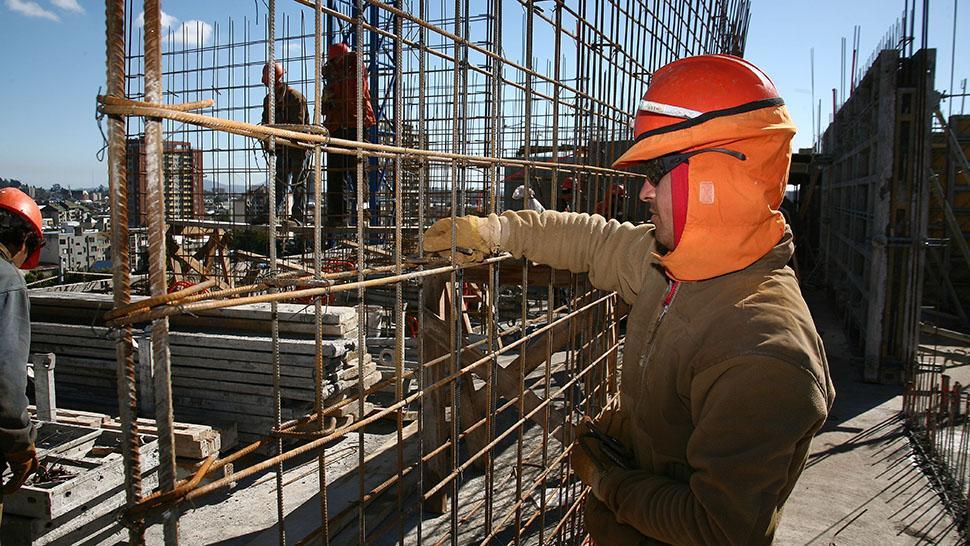 La construcción registró 13 meses de alzas consecutivas