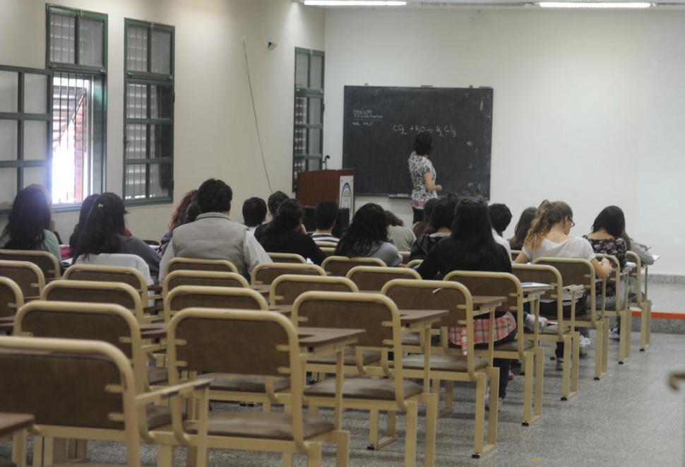 Denuncian a un profesor universitario por supuestos dichos discriminatorios a las mujeres
