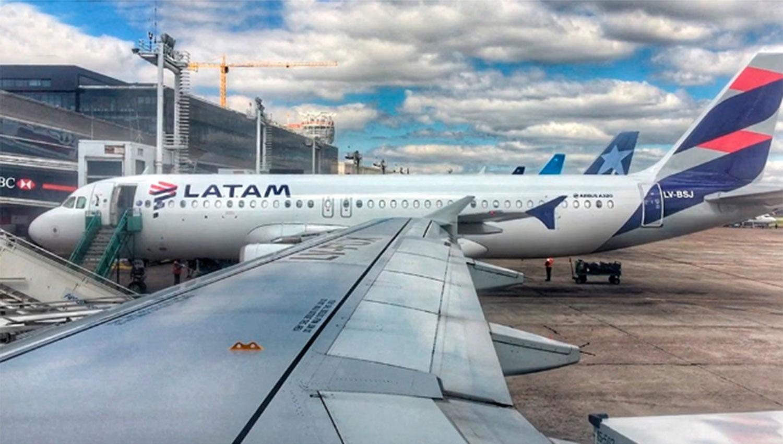 Cancelaron vuelos de y hacia Mendoza por una huelga