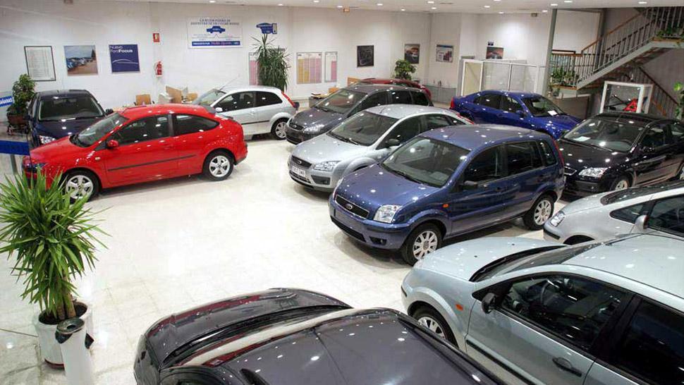 Por la devaluación, caen fuerte los patentamientos de autos en junio