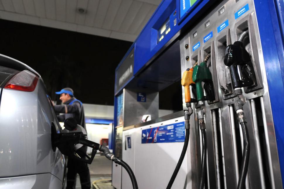 YPF bajó el precio de la nafta pero aumentó el gasoil