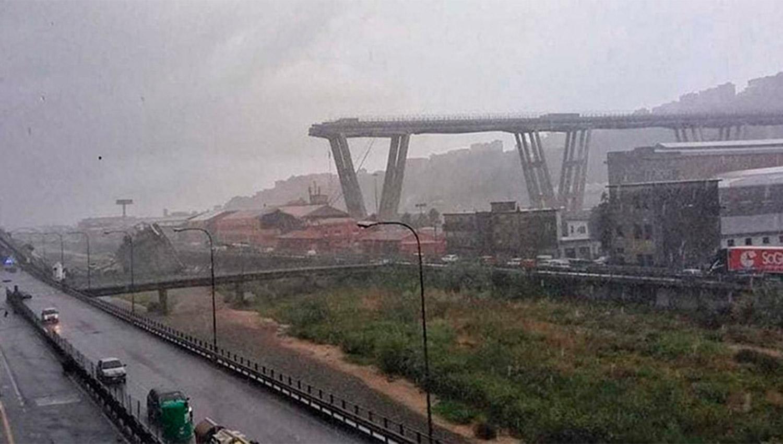 Al menos 30 muertos tras derrumbarse un puente en Italia
