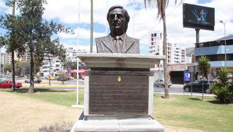 Cambiemos aprobó el proyecto para sacar el busto de Néstor Kirchner — Morón