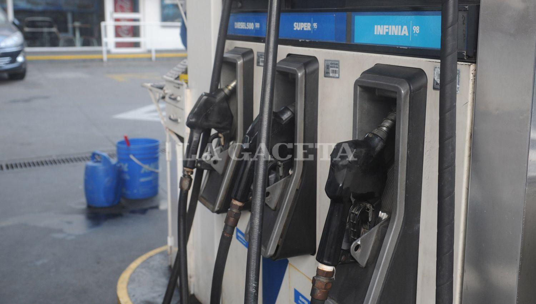 YPF también aumentó las naftas