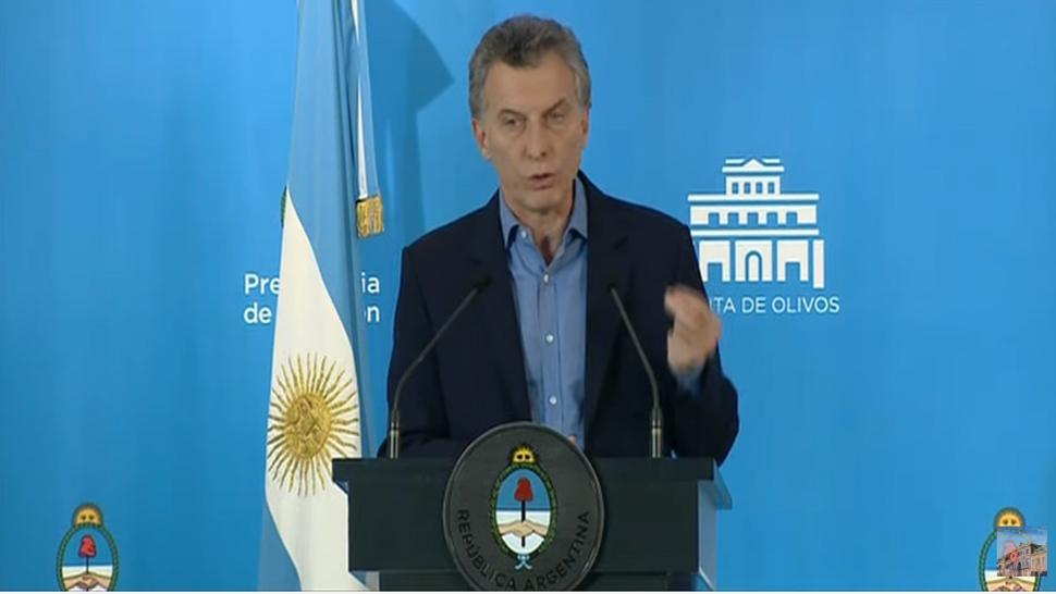 Pese a la crisis, Macri ratificó que no cambiará el