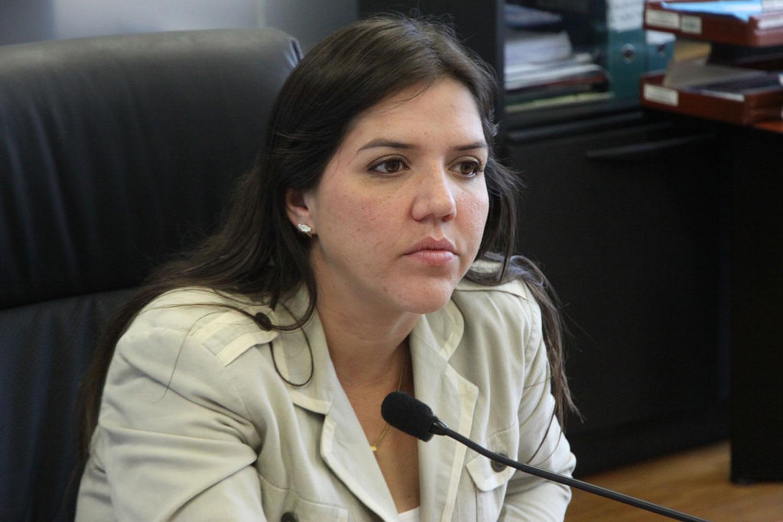 Denuncian que vicepresidenta de Ecuador recibió 14 mil 650 dólares de asesora