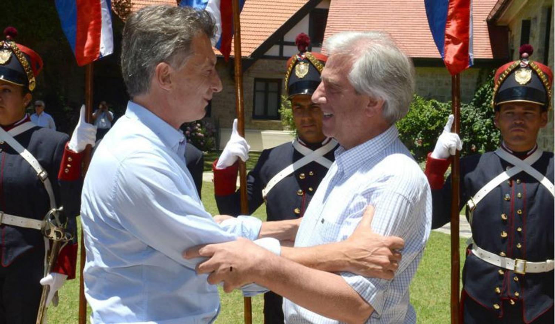 Macri viaja a Uruguay con cambios