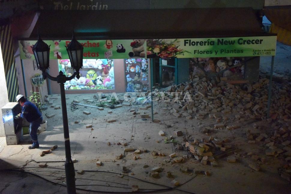 Los locales afectados por el dramático derrumbe. FOTO LA GACETA/ INÉS QUINTEROS ORIO.