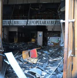 El día después del derrumbre del techo de la bilioteca Alberdi