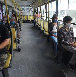 Cómo cambió en este tiempo viajar en colectivo en Tucumán