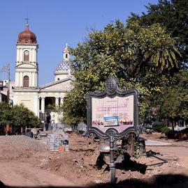 De a poco, la plaza Independencia va cambiando su fisonomía