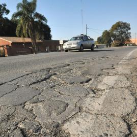 El pavimento y el tráfico colapsan el Camino del Perú