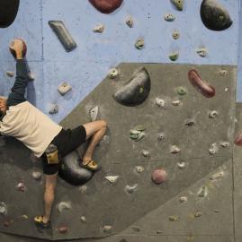 Sin rocas en la ciudad, también es posible escalar