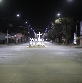 """En la ciudad desierta, los """"reyes"""" de la noche fueron los taxistas"""
