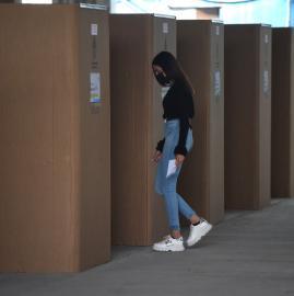 Fotos: así son los cuartos oscuros de cartón que se implementaron en las PASO 2021