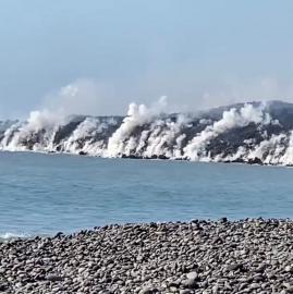 Galería de imágenes: la lava del volcán de Canarias llegó al mar