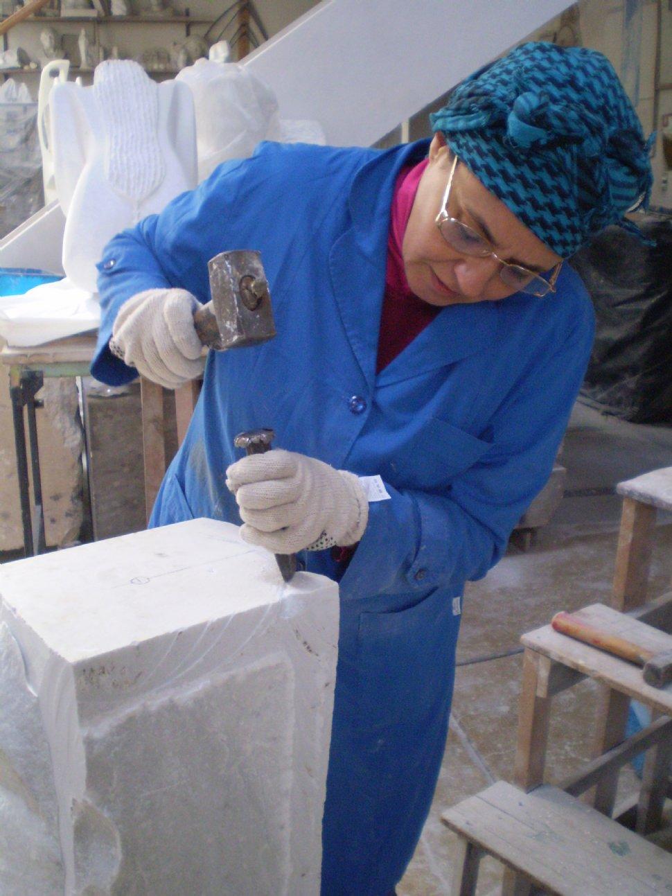Desbastar el m rmol de carrara es una tarea brutal la for Imagenes de marmol