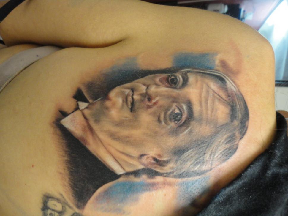 Los Tatuajes De Hoy Mucho Realismo Y Rostros Gigantescos La