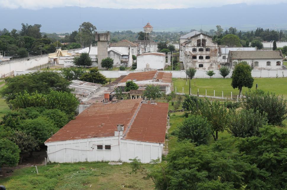 La idea de mudar la c rcel ya puede ser debatida en el for Villas que fundo nuno de guzman