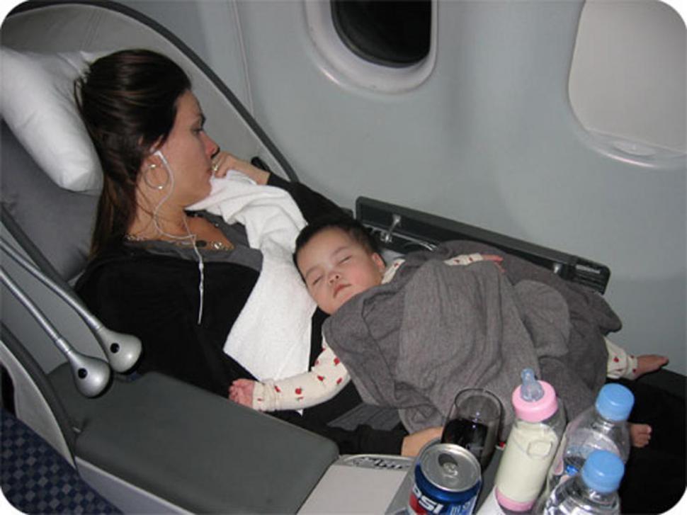 Si Vas A Viajar En Avi 243 N Con Tus Hijos Ped 237 El Portabeb 233