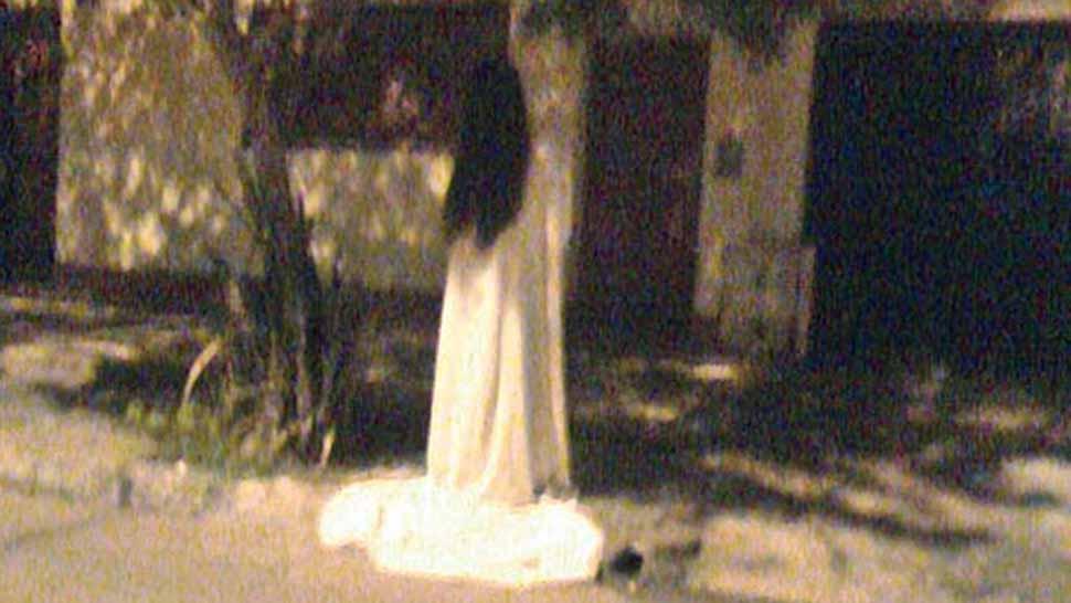 """la foto del """"fantasma"""" de una mujer vestida de blanco - la gaceta"""