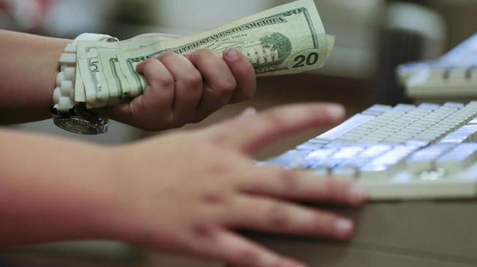 El dólar blue rozó los $120