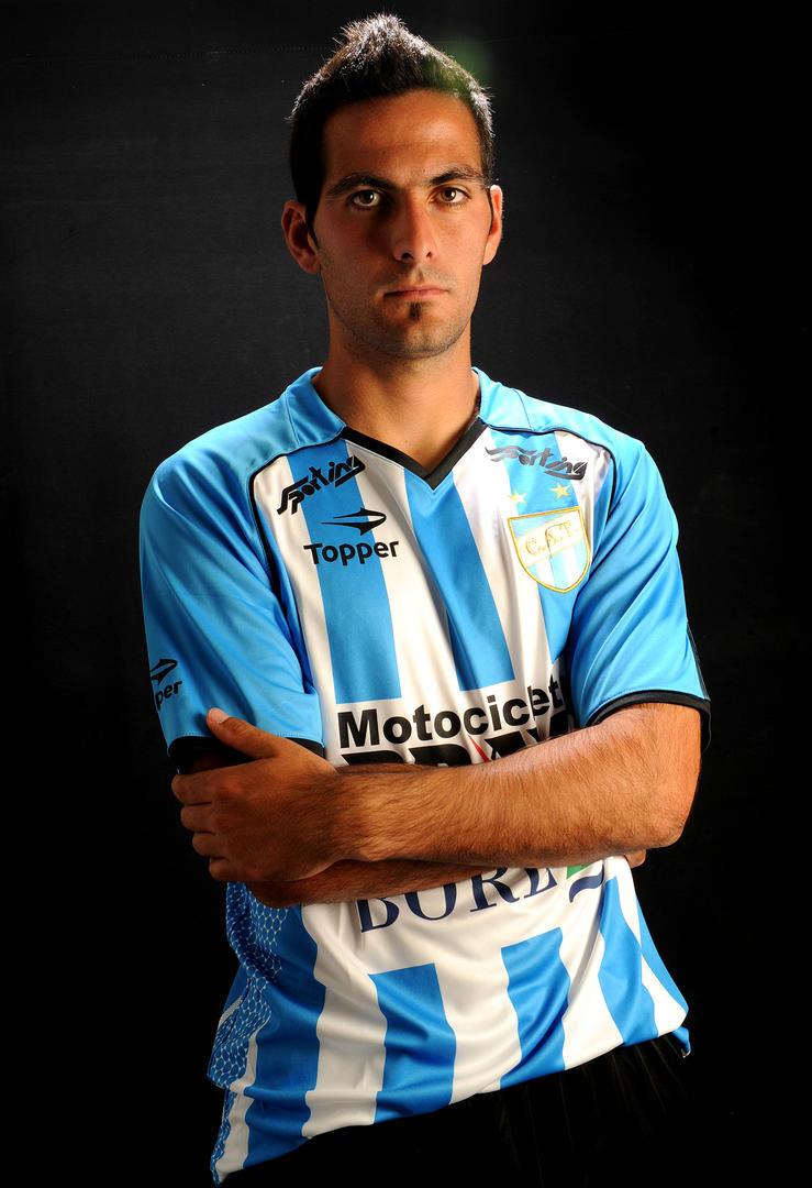 PURA FE. El ex decano, Matías Ballini,  está convencido que podrá con Riquelme.