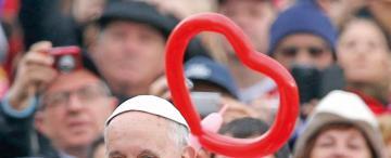 El Papa de la humildad profundiza los cambios en la Iglesia
