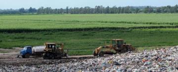 Cómo es el lugar donde siete ciudades tucumanas sepultan la basura