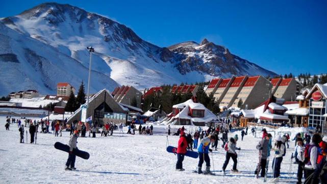 Destinos de nieve: Las Leñas y Bariloche, para darse el gusto - LA ...