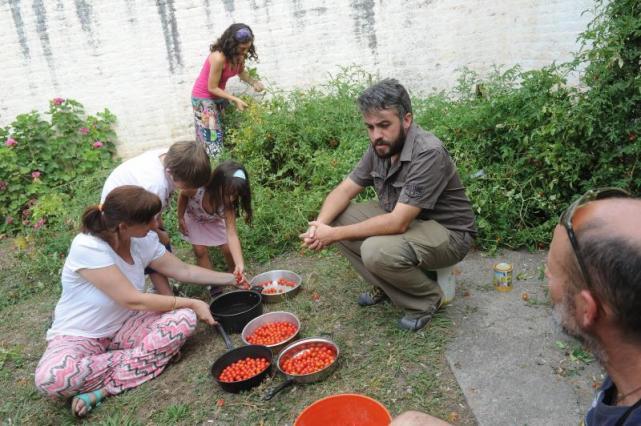 El jardín se convierte en aula y el baile en asignatura - LA GACETA ...