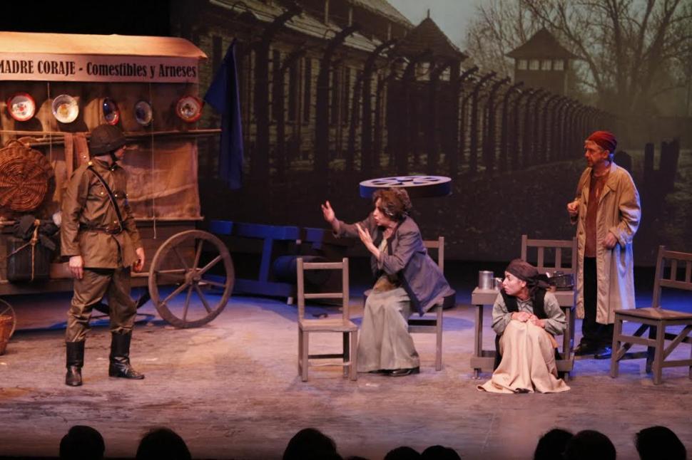 MADRE CORAJE Y SUS HIJOS. Se presentan a las 22 en el Teatro Orestes Caviglia.
