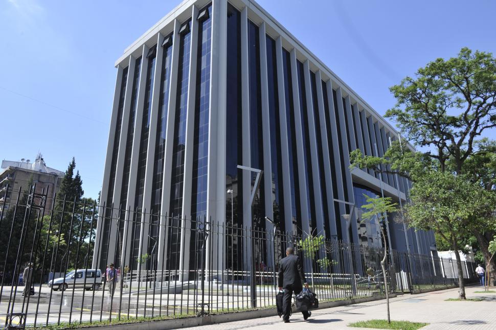 Resultado de imagen para edificio legislatura tucuman
