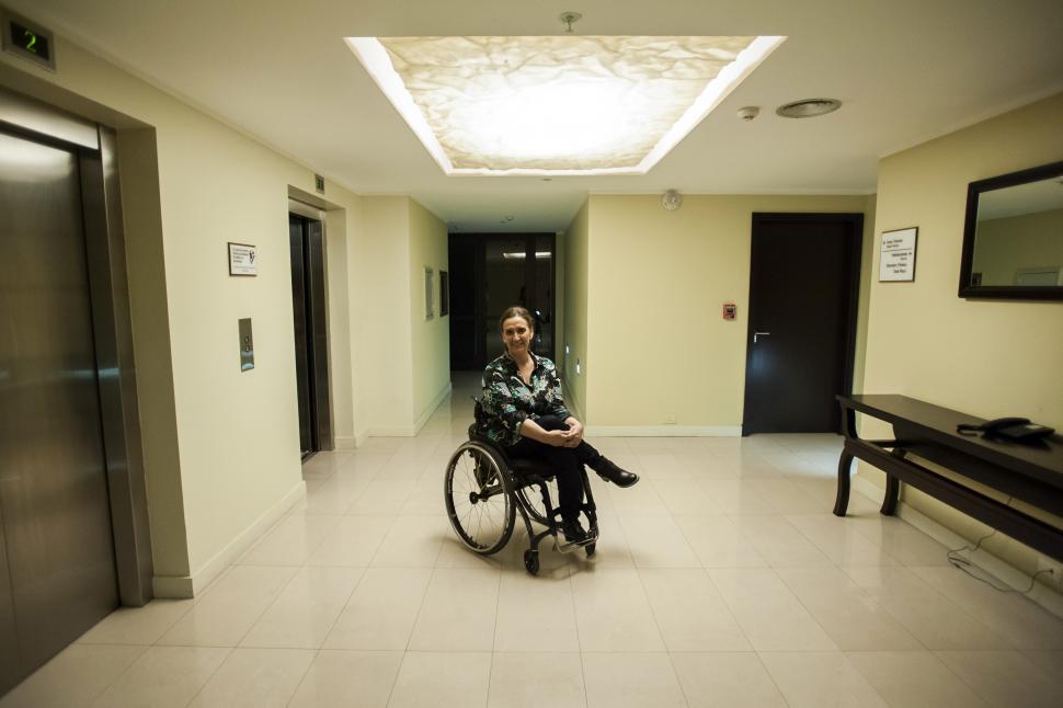 EN LA ANTESALA DE LA ENTREVISTA. La vicepresidenta Gabriela Michetti en el hotel donde conversó con LA GACETA; antes, había visitado La Costanera y un centro de recuperación de adictos. la gaceta / foto de inés quinteros orio
