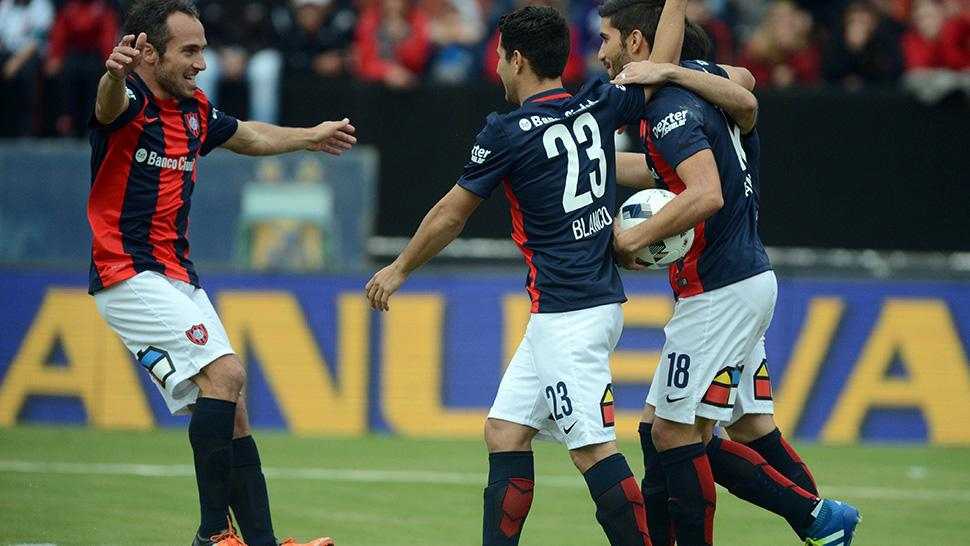 EN ESTADO DE GRACIA. Nicolás Blandi explotó en el Cuervo y hoy marcó el primer gol ante Colón. FOTO DE TÉLAM