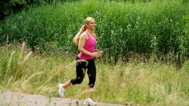 Que es mejor correr o trotar para bajar de peso