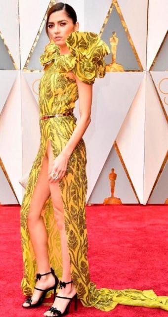 Premios Oscar El Pronunciado Tajo Del Vestido Le Jugó Una Mala
