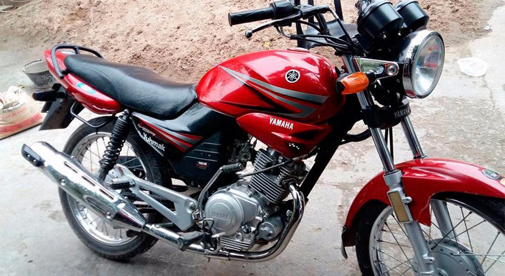 Permuta su moto por mercadería para ayudar a los inundados del sur de la provincia