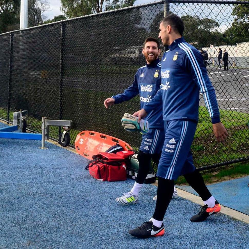 Nahuel Guzmán tendría extraña cláusula para salir de Tigres 0