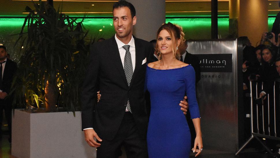Sergio Busquets y Elena Galera