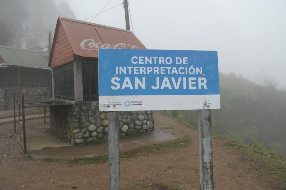 -ENTRE LAS NUBES. La puerta de entrada a San Javier está cerrada. -