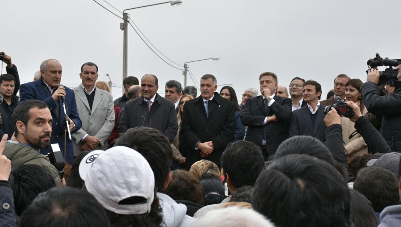 Manzur y Amaya compartieron hoy un acto oficial, en Concepción. FOTO ENVIADA POR WHATSAPP.