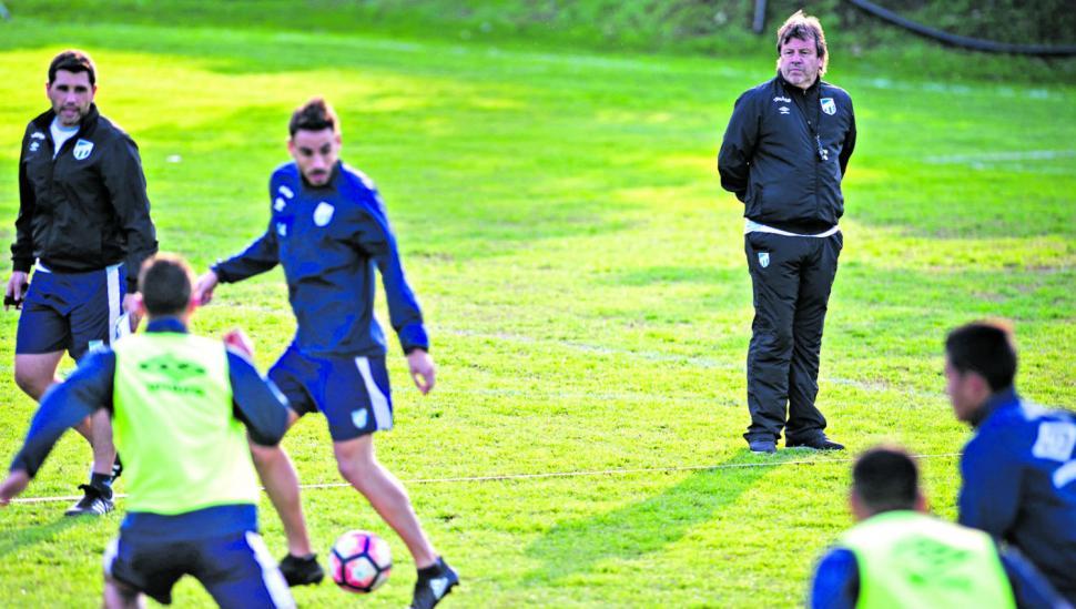 """El primer partido que deberá """"ganar"""" Atlético es el de rearmar al plantel que ya le apunta a la Sudamericana"""