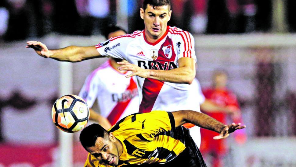 River allanó su camino a cuartos de la Copa ganando en Paraguay