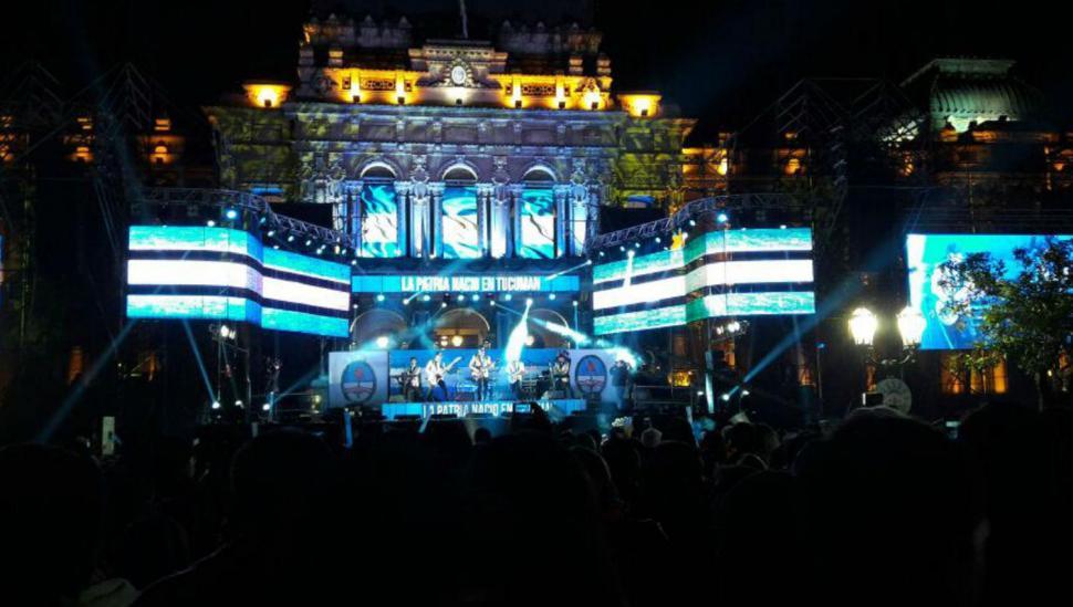 Música en la plaza Independencia