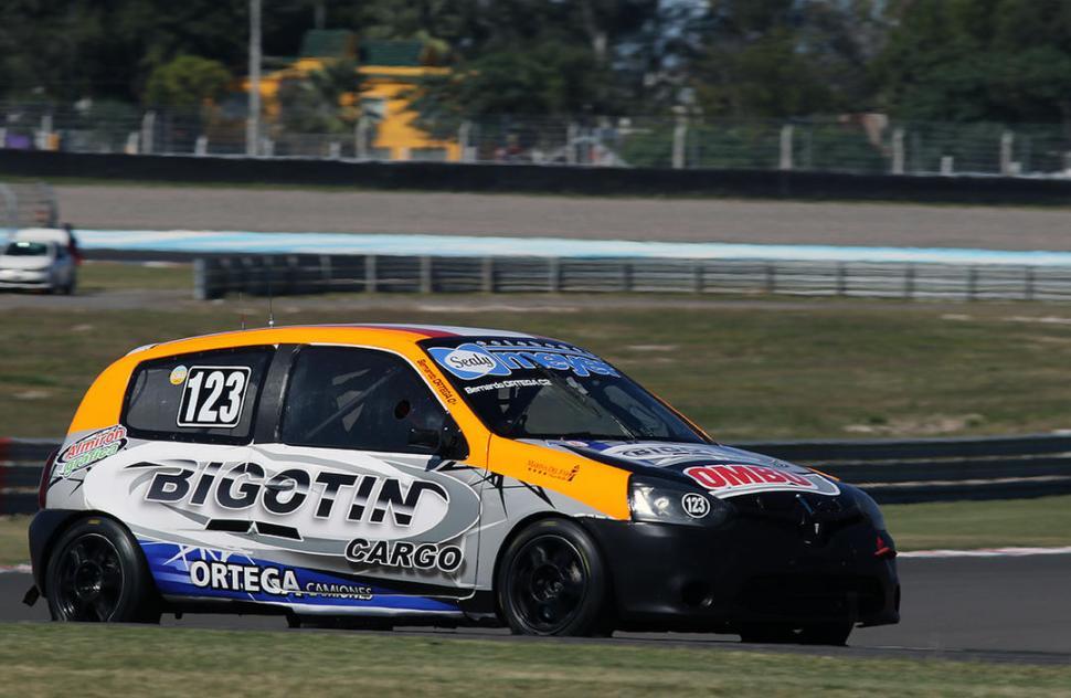 APUESTA. El Ortega Competición debutará asistiendo al auto de Bernardo, que corrió por única vez también en Las Termas. bh fotos