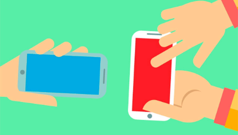Una alternativa para que adultos mayores aprendan a usar los celulares